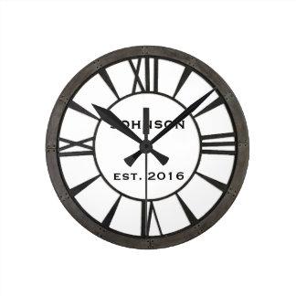 Relógio Redondo O metal-olhar rebitado industrial projeta