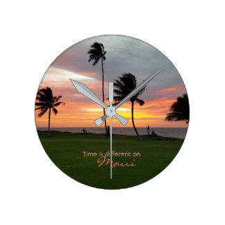 Relógio Redondo O tempo é diferente em Maui