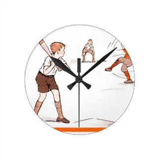 Relógio Redondo O vintage caçoa o jogo de basebol dos meninos