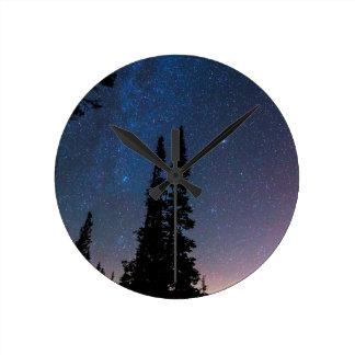 Relógio Redondo Obtenção perdido em um céu nocturno
