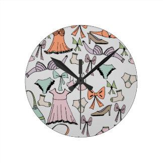 Relógio Redondo obtenção vestido