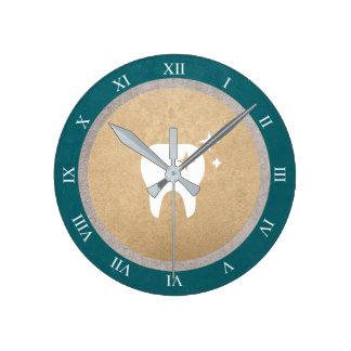 Relógio Redondo Ouro do dente | & numerais romanos dentais cianos