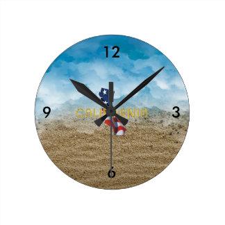 Relógio Redondo Patriota de Califórnia do T