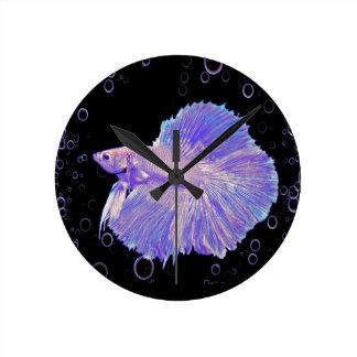 Relógio Redondo Peixes de combate roxos iridescentes