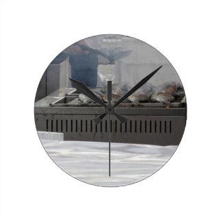 Relógio Redondo Peixes do churrasco fora