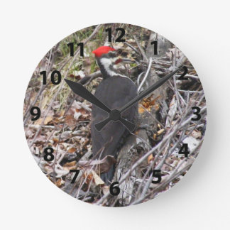 Relógio Redondo Pica-pau de Pileated que Pecking o pulso de