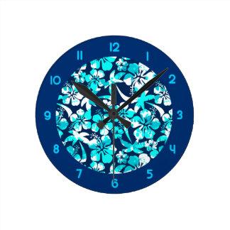Relógio Redondo Pinte o hibiscus e as palmas splattered