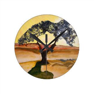 Relógio Redondo Pintura de paisagem amarela da árvore da parte