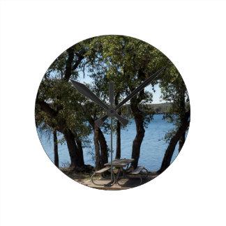 Relógio Redondo Piquenique no lago