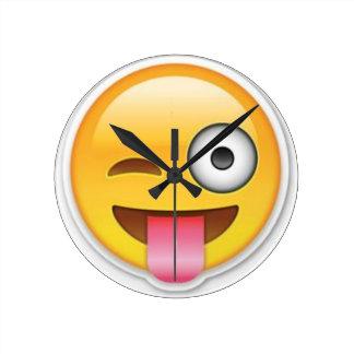 Relógio Redondo Piscar os olhos insolente do emoji do smiley