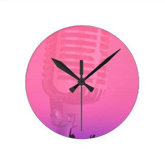 Relógio Redondo Poster da audiência da noite do karaoke