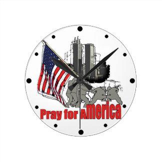 Relógio Redondo Pray para América