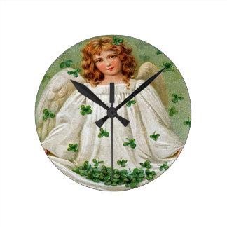 Relógio Redondo Pulso de disparo de parede irlandês do anjo,