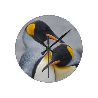Relógio Redondo Pulso de disparo do dueto do rei pinguim
