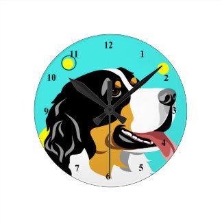 Relógio Redondo Pulsos de disparo coloridos do cão de montanha de