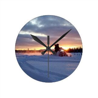 Relógio Redondo Quedas do Alasca da equitação ou do pioneiro do