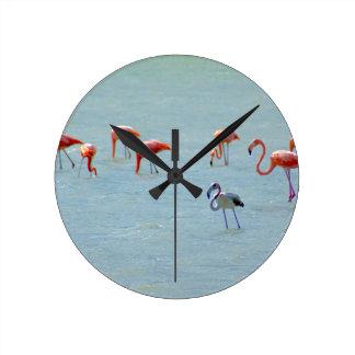 Relógio Redondo Rebanho cinzento e cor-de-rosa dos flamingos no