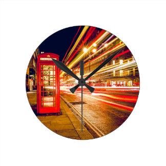Relógio Redondo Rua de Londres na noite