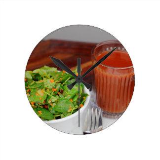 Relógio Redondo Salada de agrião do molho do tomate da cenoura do