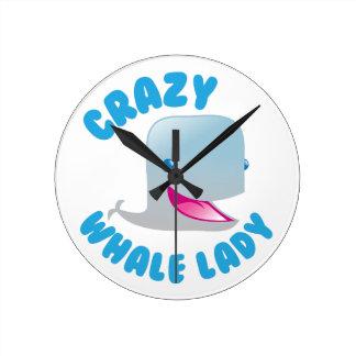 Relógio Redondo senhora louca da baleia