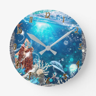 Relógio Redondo Sereia principal vermelha sob o costume da