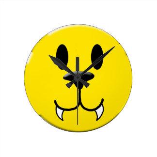 Relógio Redondo Smiley do homem-lobo