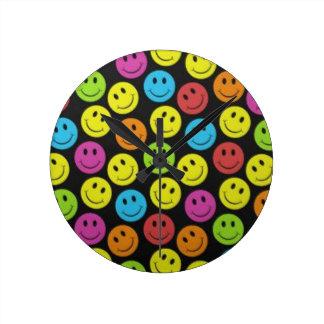 Relógio Redondo Smiley face doce