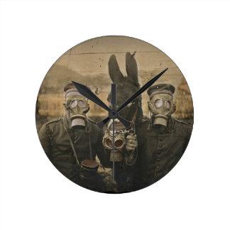 Relógio Redondo Soldados asno e máscaras de gás