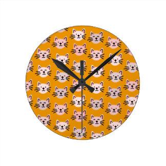 Relógio Redondo Teste padrão bonito do gato na mostarda amarela