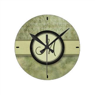 Relógio Redondo Teste padrão da pena do verde de musgo com monogra