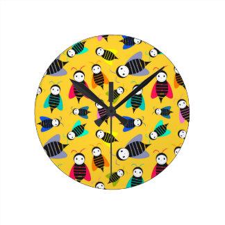 Relógio Redondo teste padrão do animal das abelhas