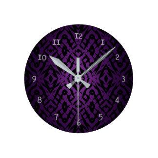 Relógio Redondo Teste padrão tribal roxo das formas