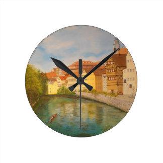 Relógio Redondo Tubinga na luz solar