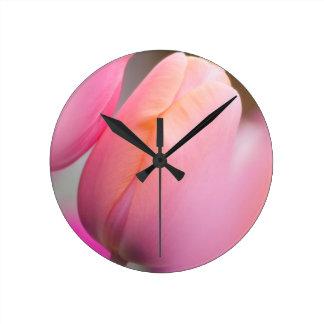 Relógio Redondo Tulipas cor-de-rosa