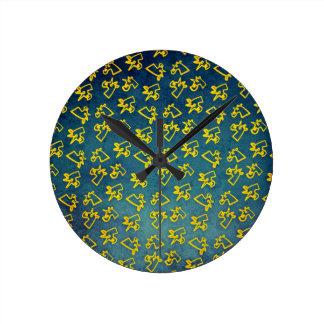 Relógio Redondo Unacorni e queijo