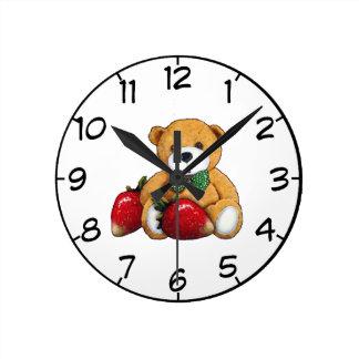 Relógio Redondo Urso de ursinho com morangos, colorido original