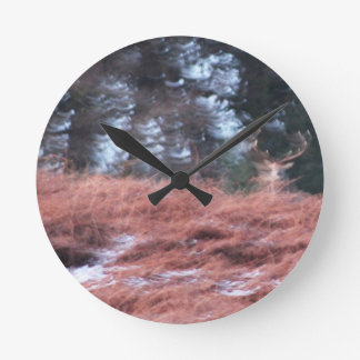 Relógio Redondo Veado em um monte