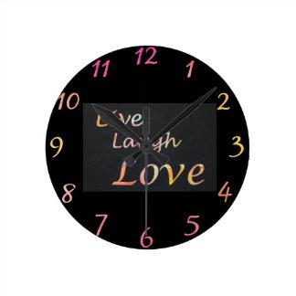 Relógio Redondo Vive o amor do riso