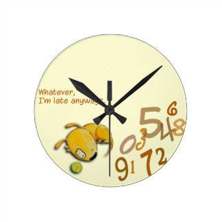 """Relógio Redondo Yelodoggie """"eu estou atrasado de qualquer maneira"""""""