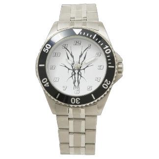 Relógio Tatuagem tribal do crânio dos cervos - preto e