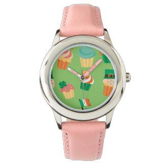 Relógio Teste padrão alaranjado verde engraçado bonito do