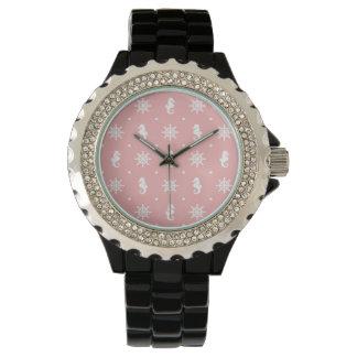 Relógio Teste padrão coral cor-de-rosa náutico