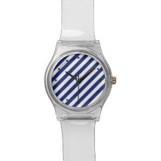 Relógio Teste padrão diagonal do azul marinho e o branco