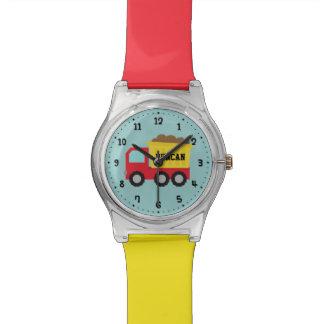 Relógio vermelho dos meninos do veículo da