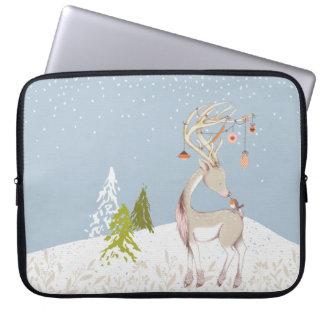 Rena bonito e pisco de peito vermelho na neve sleeve para notebook