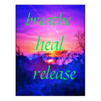 respire curam o cartão cor-de-rosa do por do sol