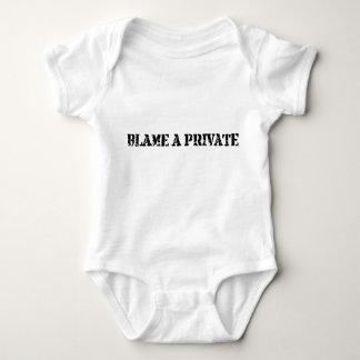 Responsabilize um privado t-shirt