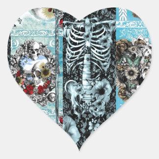 Retalhos, colagem ornamentado do crânio adesivo coração