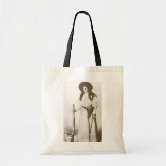 Retrato 1910 da foto de uma vaqueira que guardara sacola tote budget