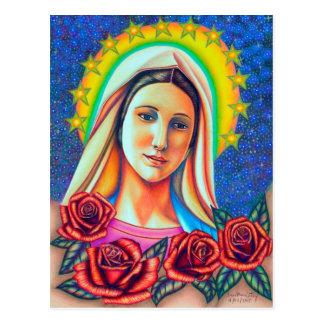 Retrato da mãe Mary com rosas vermelhas Cartão Postal